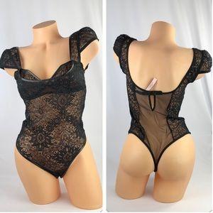✅🆕😍 Victoria's Secret very Sexy lace body suit